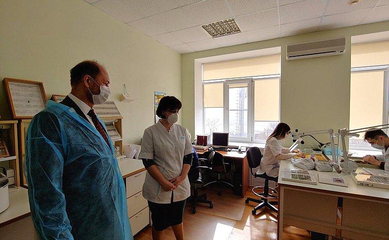 Владимир Лакунин ознакомился ссистемой контроля ГМО продукции натерритории Ростовской области