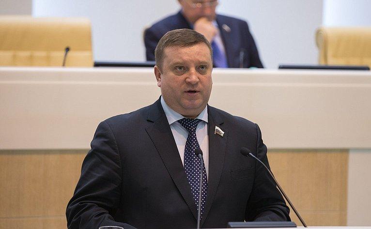 В. Кондратьев на386-м заседании Совета Федерации