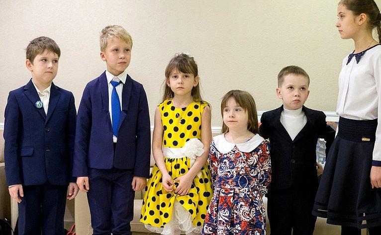 Участники Всероссийского художественного конкурса юных художников «Залп «Авроры»