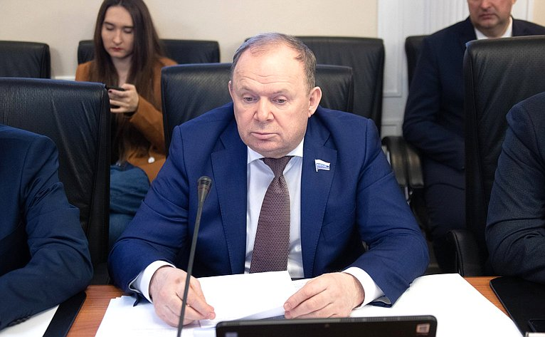 Владимир Лаптев