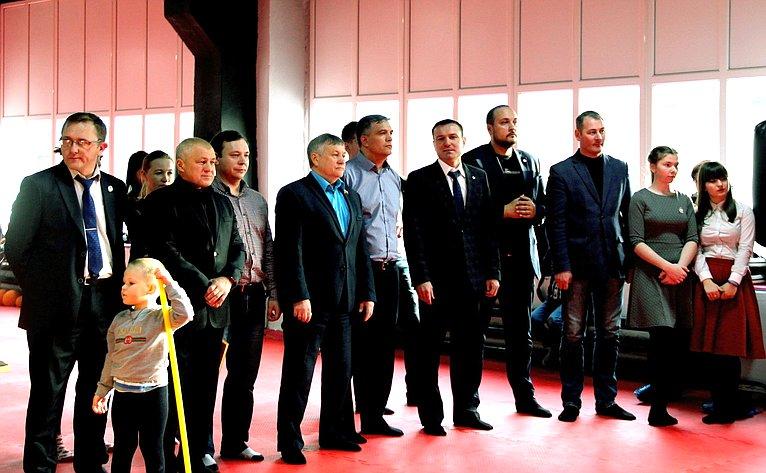 Сергей Михайлов посетил открытие спортивного зала поворкауту