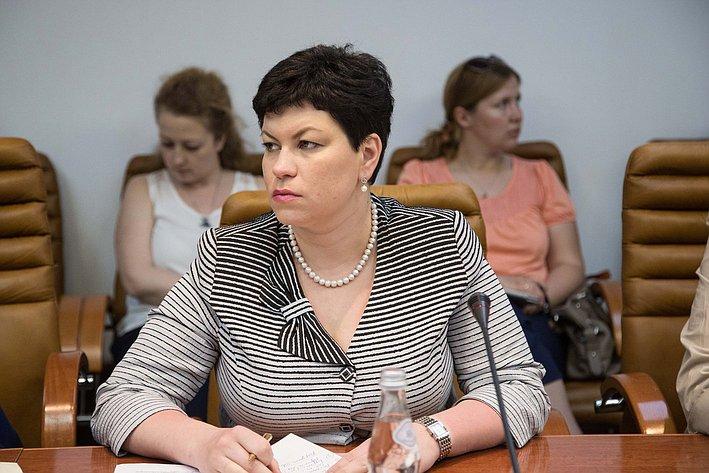 26-05 Л. Кононова Заседание Комитета СФ по социальной политике 5