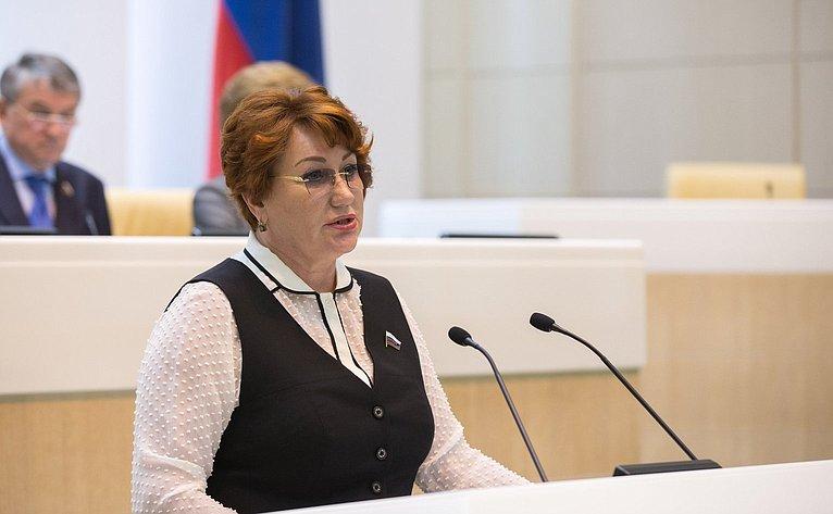 Е. Перминова на386-м заседании Совета Федерации