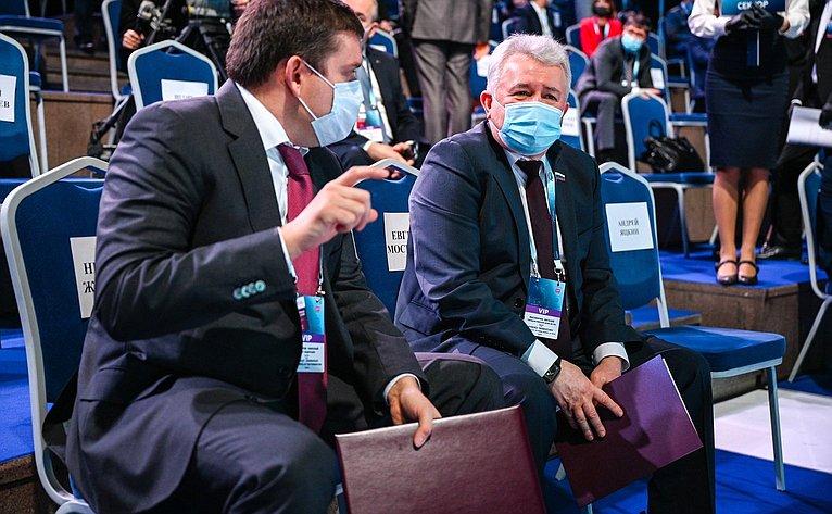 Н. Журавлев принял участие вXIV Международном форуме «Транспорт России»