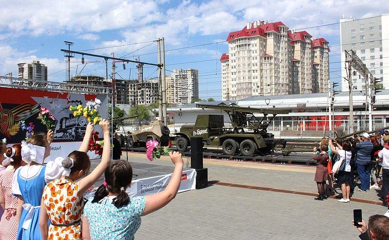 Выставочный состав напаровозной тяге своенной техникой Великой Отечественной войны 1941–1945гг. прибыл вВолгоградскую область