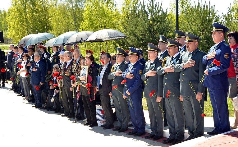 Торжественная церемония передачи городу Ржеву памятника «Мемориальный комплекс воинам-казахстанцам 100-й и101-й отдельных стрелковых бригад»
