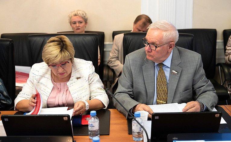 Ольга Хохлова иВиктор Смирнов