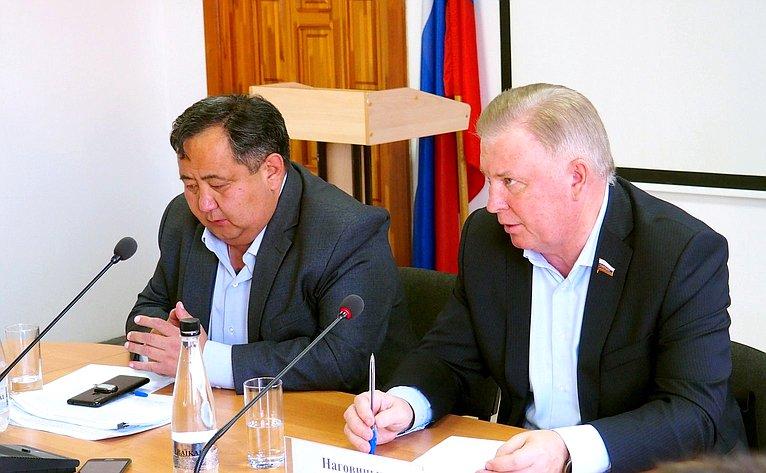 Вячеслав Наговицын провел встречу сглавами поселений иместными депутатами Закаменского района