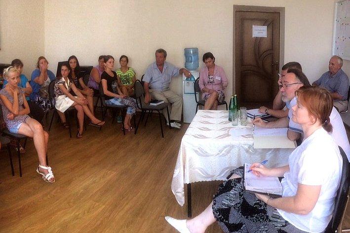 Александр Тотоонов посетил пункты временного размещения (ПВР) вынужденных переселенцев с Юго-Востока Украины в Ростовской области
