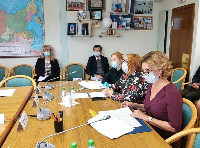 Инна Святенко приняла участие взаседании Комитета Государственной Думы пофедеративному устройству ивопросам местного самоуправления