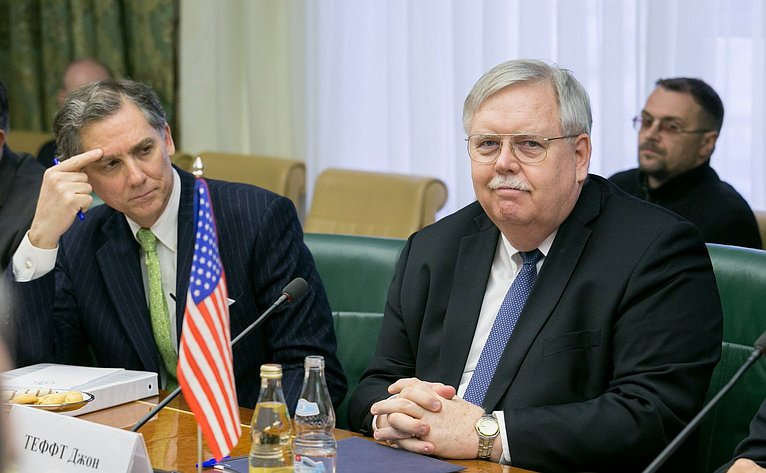 Посол США вРоссии Джон Теффт