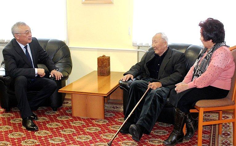Баир Жамсуев провел прием граждан поличным вопросам впоселке Агинское