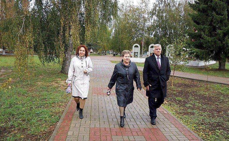 Ю. Волков обсудил вопросы социально-экономического развития Перемышльского района Калужской области
