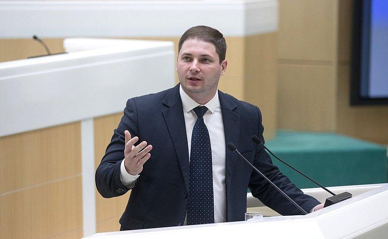 В. Конопацкий