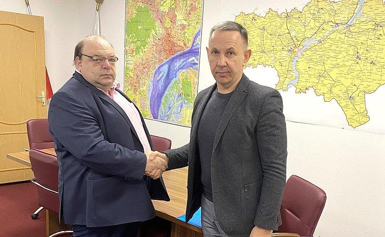 Встреча Олега Алексеева сминистром здравоохранения Саратовской области Олегом Костиным