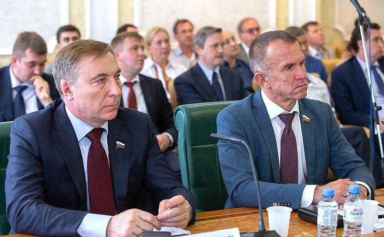 А. Варфоломеев иВ. Кравченко