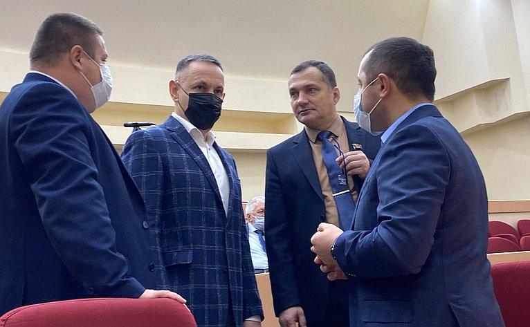 Олег Алексеев входе работы врегионе принял участие взаседании областной Думы