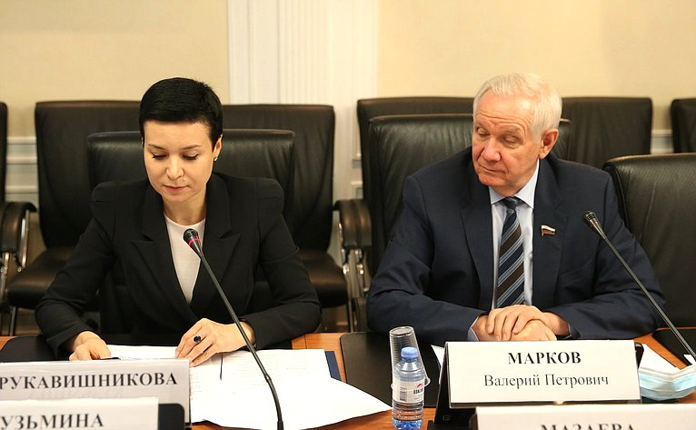 Ирина Рукавишникова иВалерий Марков