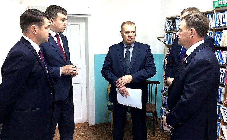 Виктор Новожилов посетил амбулаторию посёлка Лесобаза— структурное подразделение Вельской центральной районной больницы