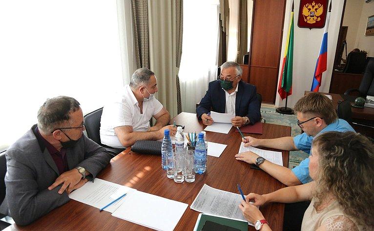 Баир Жамсуев провел вправительстве Забайкальского края оперативное совещание повопросам реконструкции здания Драмтеатра вЧите