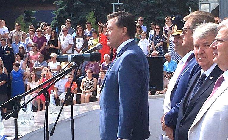 С. Рябухин принял участие вцеремонии вручения дипломов выпускникам Ульяновского института гражданской авиации