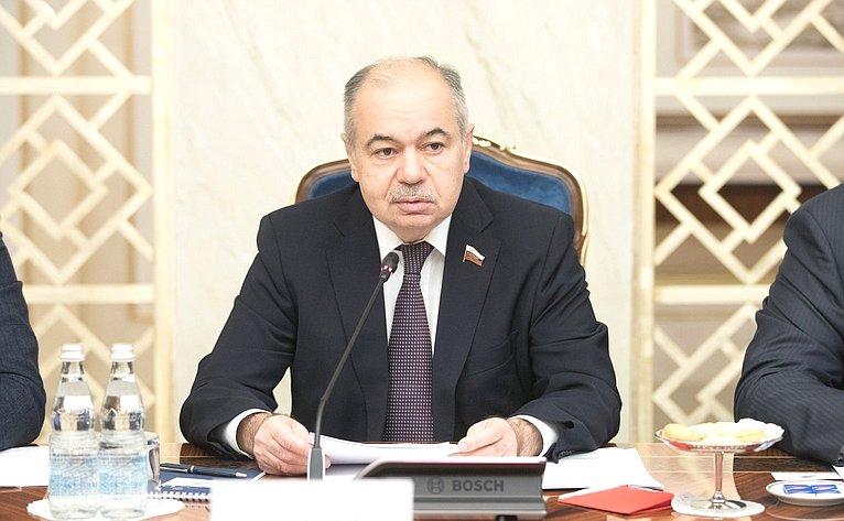 Встреча И. Умаханова спредставителями деловых кругов Турции