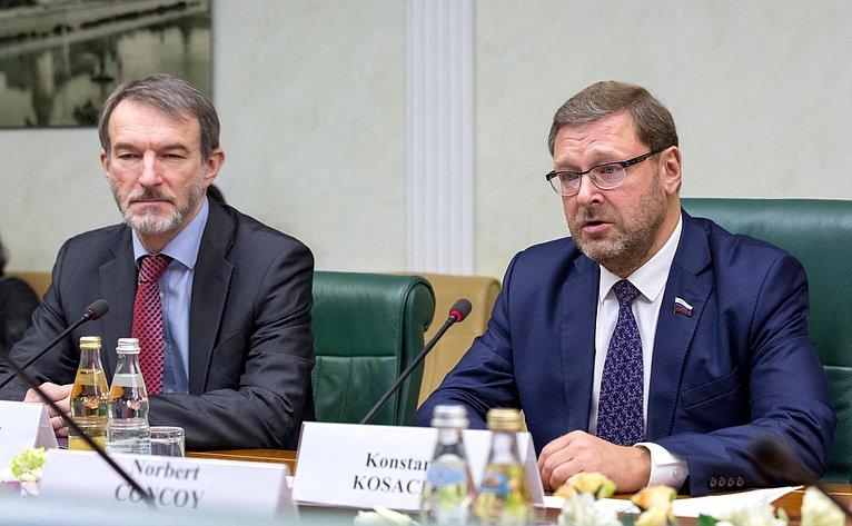 Встреча К. Косачева c Послом Венгрии вРФ Н. Конкоем