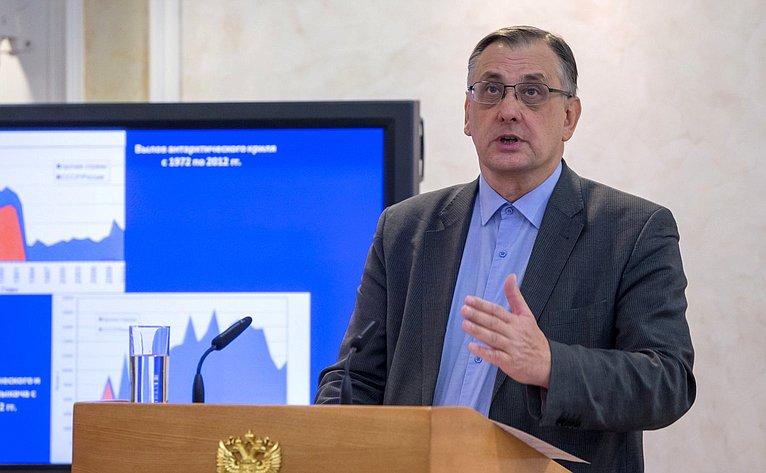Андрей Адрианов