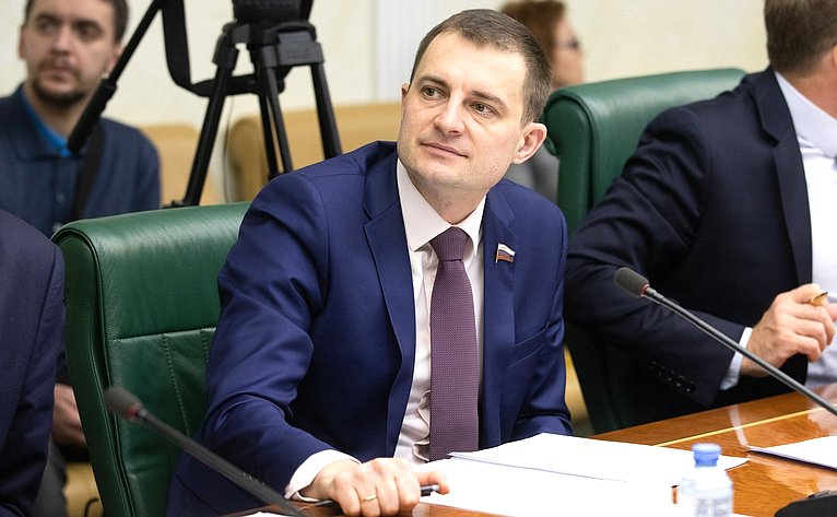 Дмитрий Шатохин