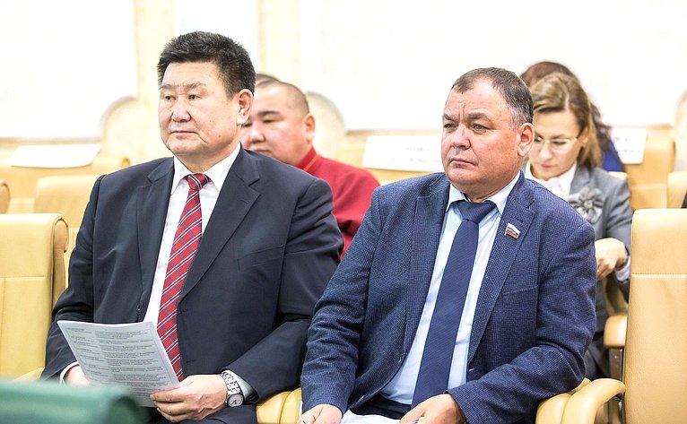 В. Мархаев иА. Суворов