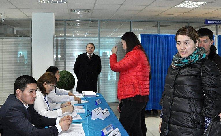 Игорь Морозов побывал вАстане иАлма-Ате всоставе делегации Совета Федерации для наблюдения запроведением выборов вМажилис Парламента Республики Казахстан