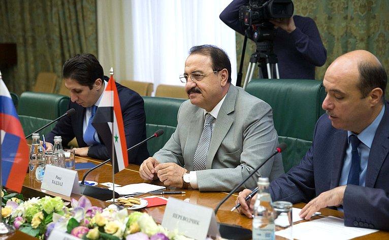 Встреча Ильяса Умаханова сЧрезвычайным иПолномочным Послом Сирийской Арабской Республики вРФ Р.Хаддадом