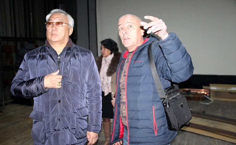 Баир Жамсуев посетил детский сад «Ульгэр»