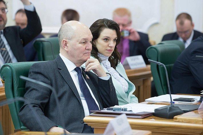 М. Щетинин на«Круглом столе» натему «Мониторинг иуправление энергосбережением вжилищно-коммунальном хозяйстве: инновационные подходы»