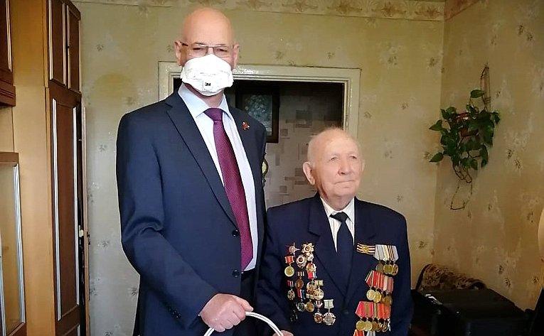Владимир Круглый поздравил орловских ветеранов сДнем Победы