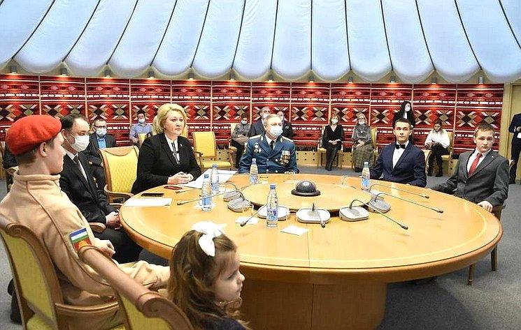 Лилия Гумерова приняла участие вторжественной церемонии награждения памятными медалями Совета Федерации «Запроявленное мужество» детей-героев изБашкортостана