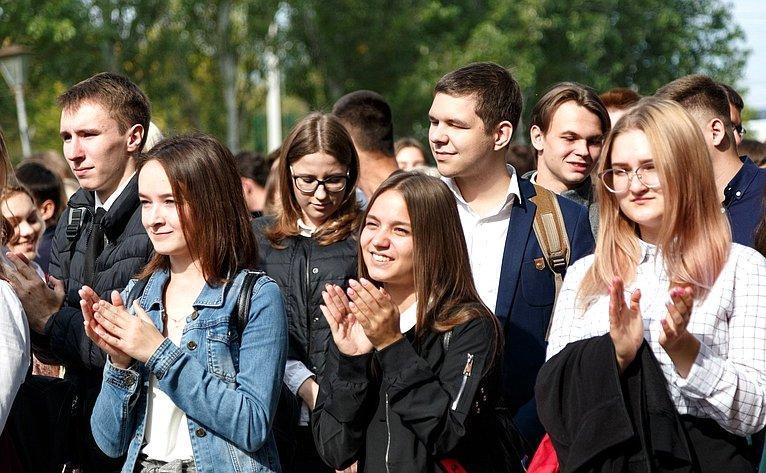 Фарит Мухаметшин принял участие впраздновании Дня знаний вучебных заведениях Самарской области