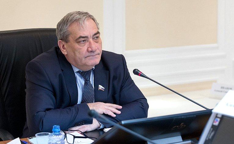 В. Штыров