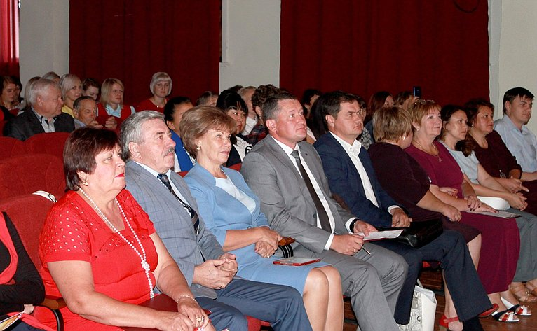 Т. Гигель приняла участие вавгустовском педагогическом совещании вРеспублике Алтай
