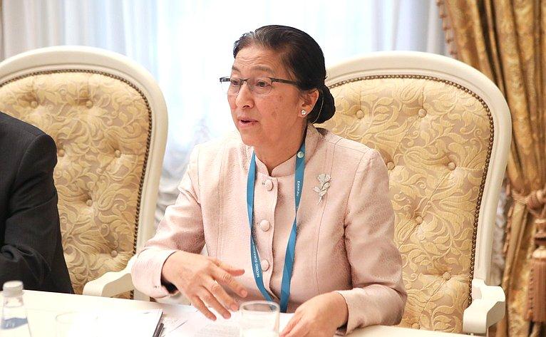 Валентина Матвиенко провела встречу сПредседателем Национального собрания Лаоса Пани Ятхоту
