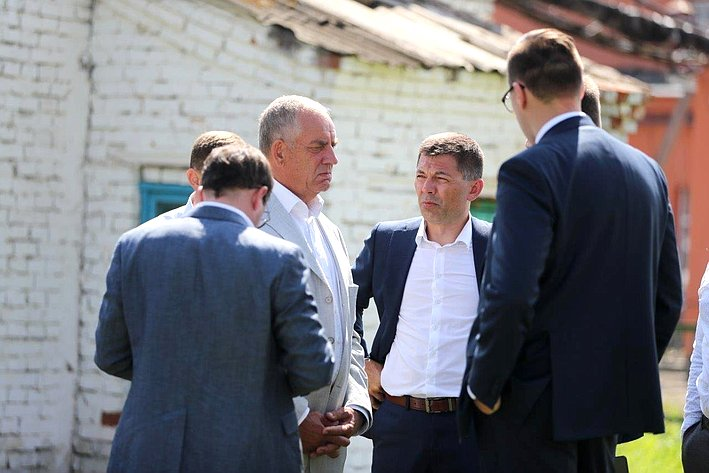Сергей Митин провел выездное заседание рабочей группы попротиводействию незаконному обороту упакованной питьевой воды