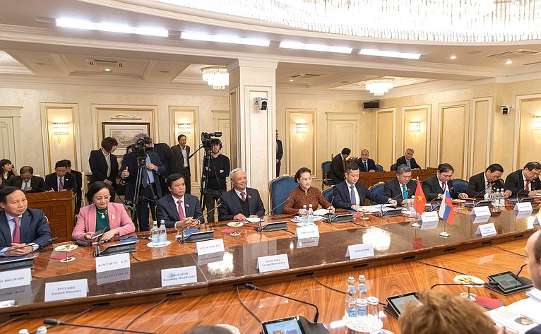 Встреча В. Матвиенко сПредседателем Национального собрания Социалистической Республики Вьетнам Нгуен Тхи Ким Нган