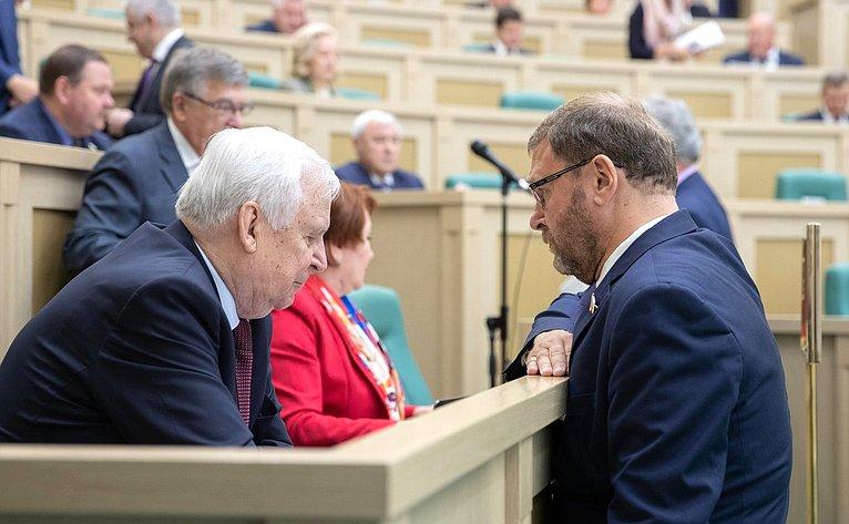 Николай Рыжков иКонстантин Косачев