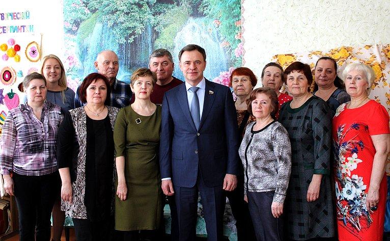 Виктор Новожилов провёл ряд встреч сжителями муниципальных образований Вельского района