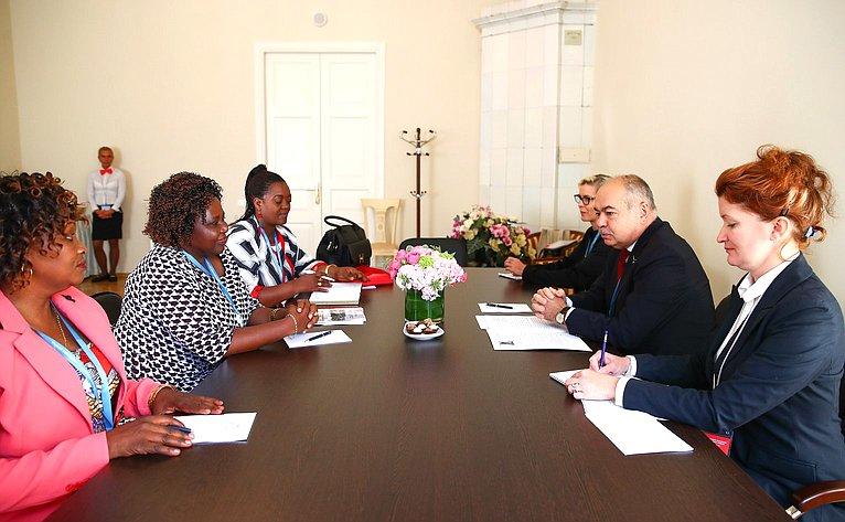 Встреча заместителя Председателя СФ И.Умаханова спервым заместителем Председателя Сената Республики Бурунди Спес-Карита Нджебарикануйе
