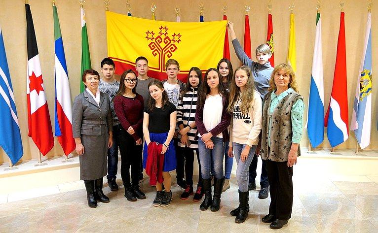 Николай Федоров пригласил юных жителей Чувашии вместе спедагогами вСовет Федерации