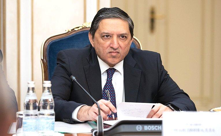 Встреча И. Умаханова сзаместителем Председателя Сената Исламской Республики Пакистан Салимом Мандвиваллой