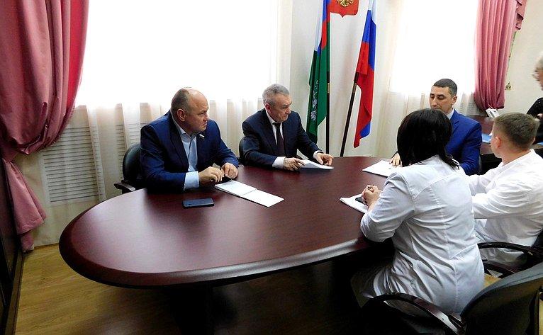 Алексей Кондратенко иВладимир Бекетов посетили Федеральное государственное бюджетное учреждение «Краснодарская межобластная ветеринарная лаборатория»