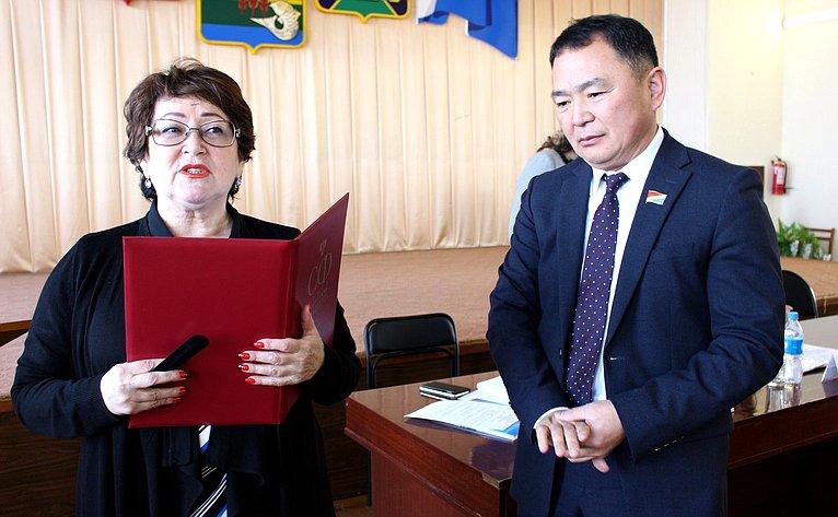 Людмила Талабаева провела встречу спредставителями администрации ижителями Ханкайского района