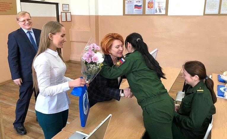 Надежда Болтенко встретилась своеннослужащими медицинского отряда специального назначения Центрального военного округа